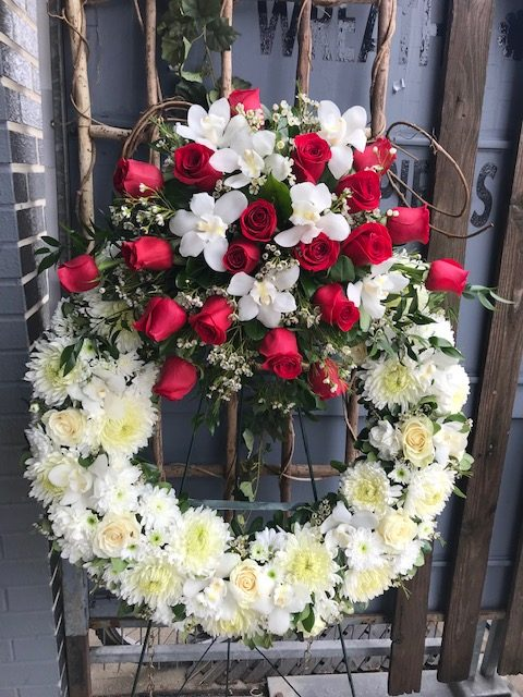 Staggered White with Red Wreath